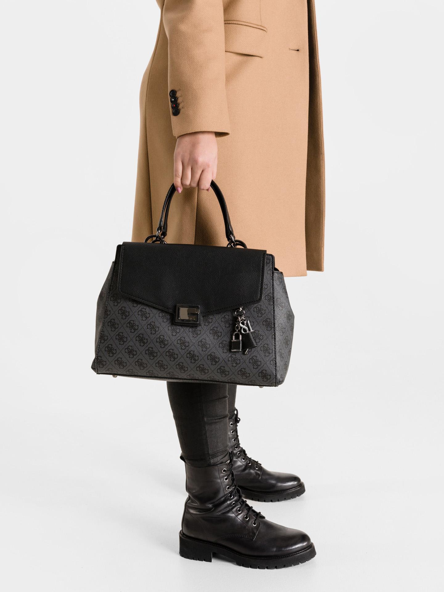 Guess черна дамска чанта Valy Large