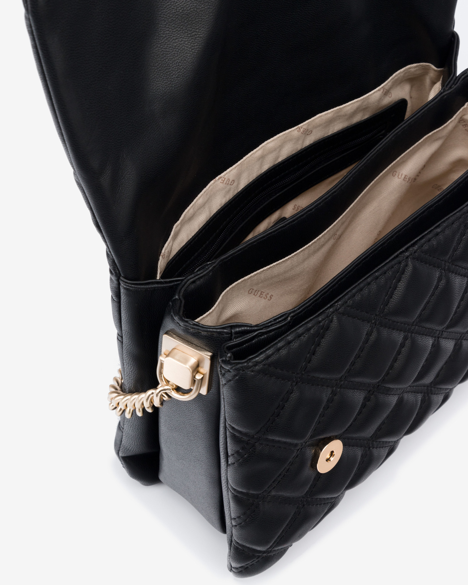 Guess черна дамска чанта Kamina