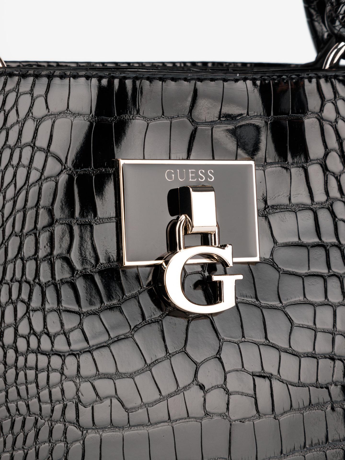 Guess черна дамска чанта Carabel