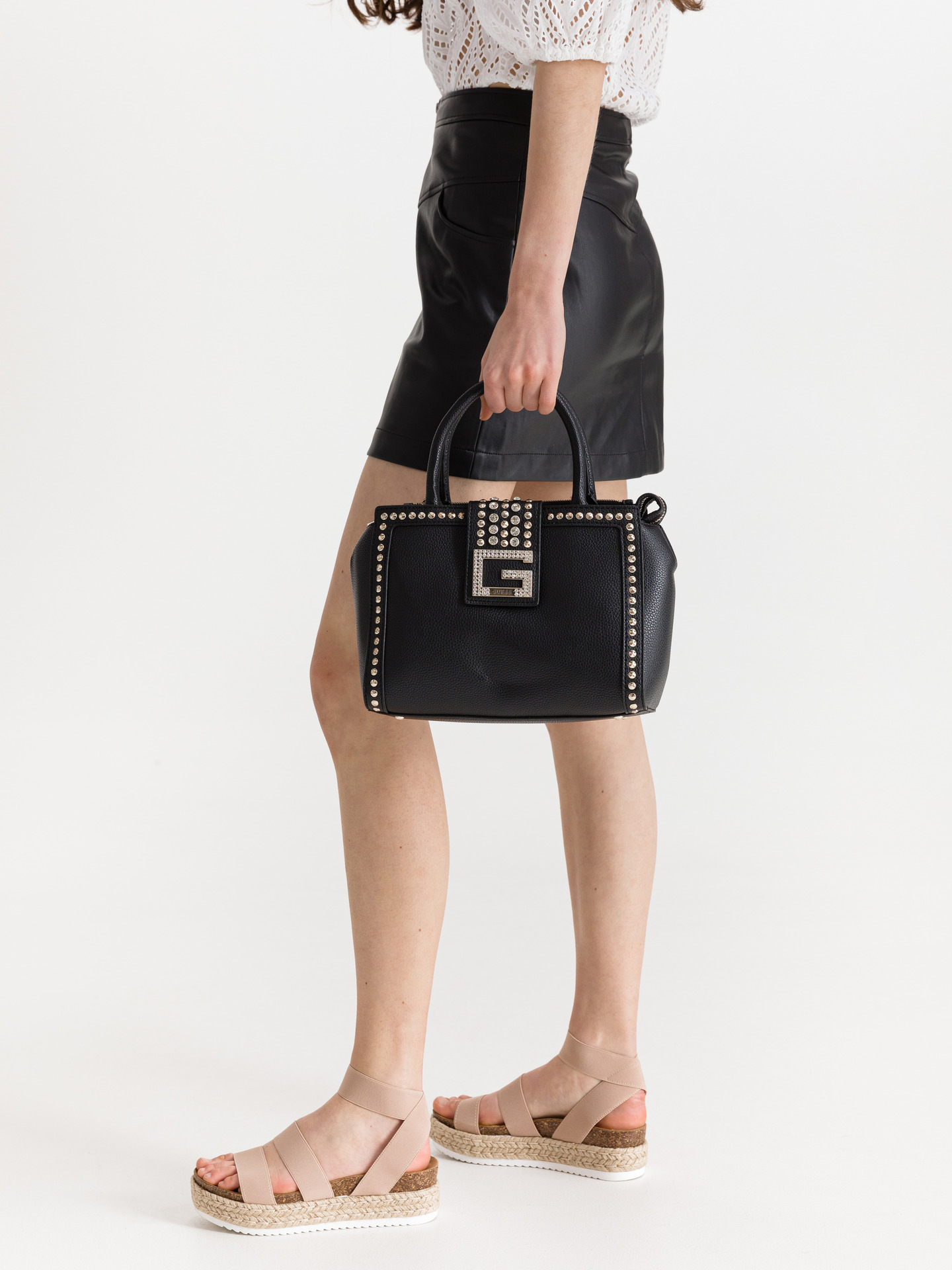 Guess черна дамска чанта Bling Society