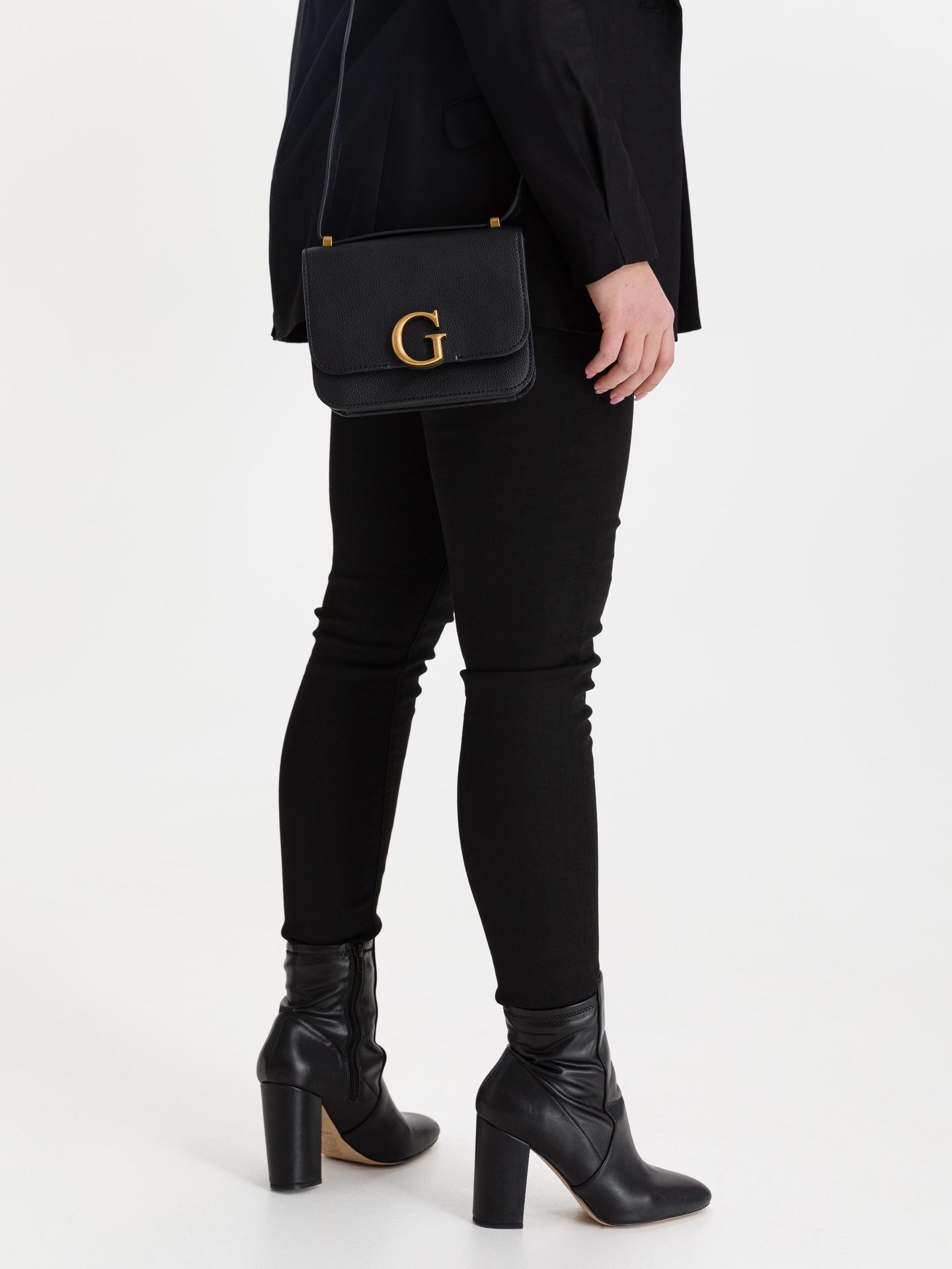 Guess черна crossbody дамска чанта Corily