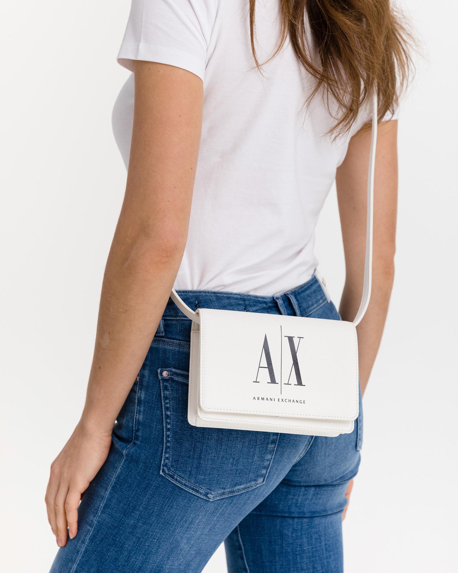 Armani Exchange бяла дамска чанта