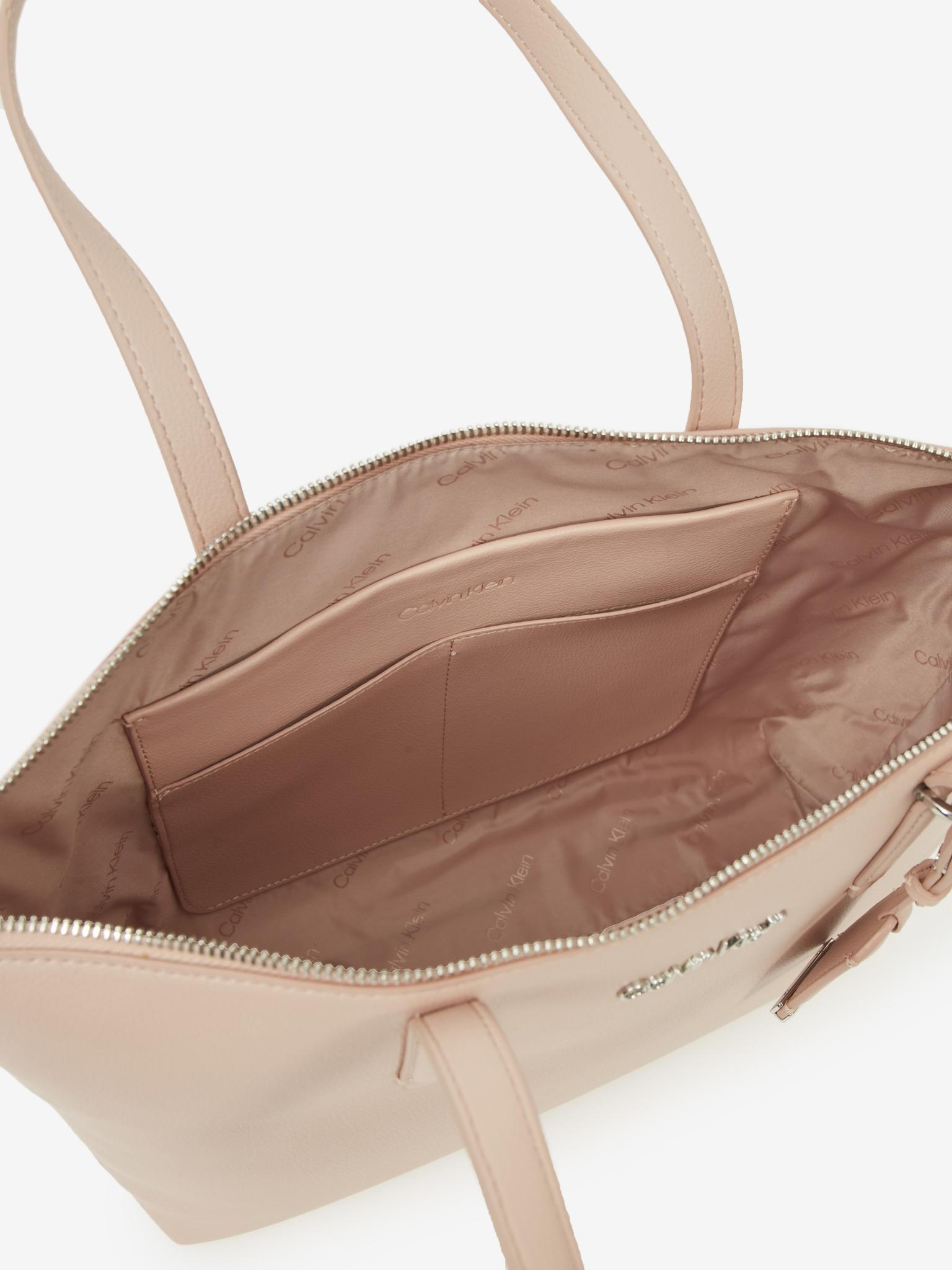 Calvin Klein бежова дамска чанта