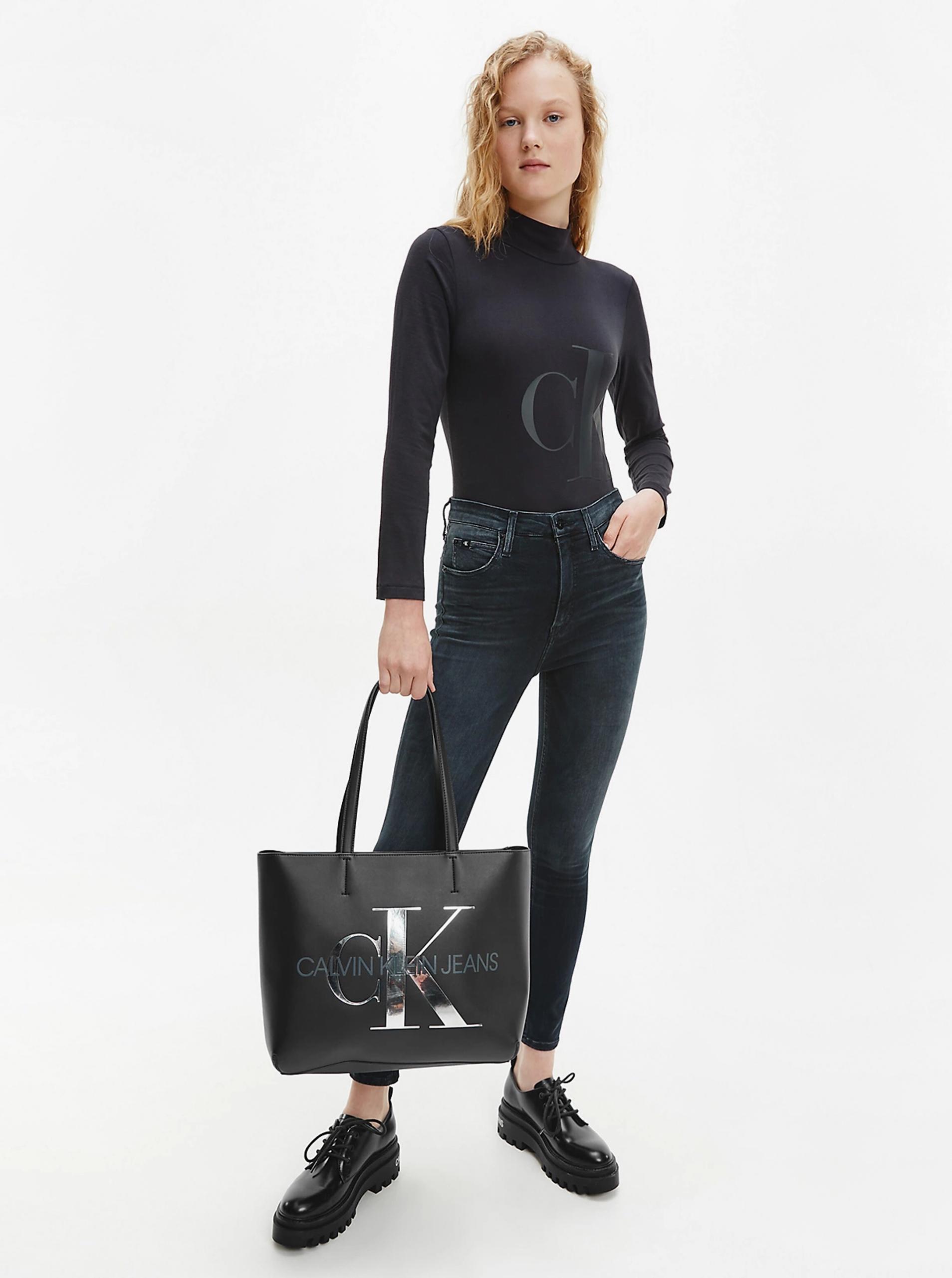 Calvin Klein черна купувач