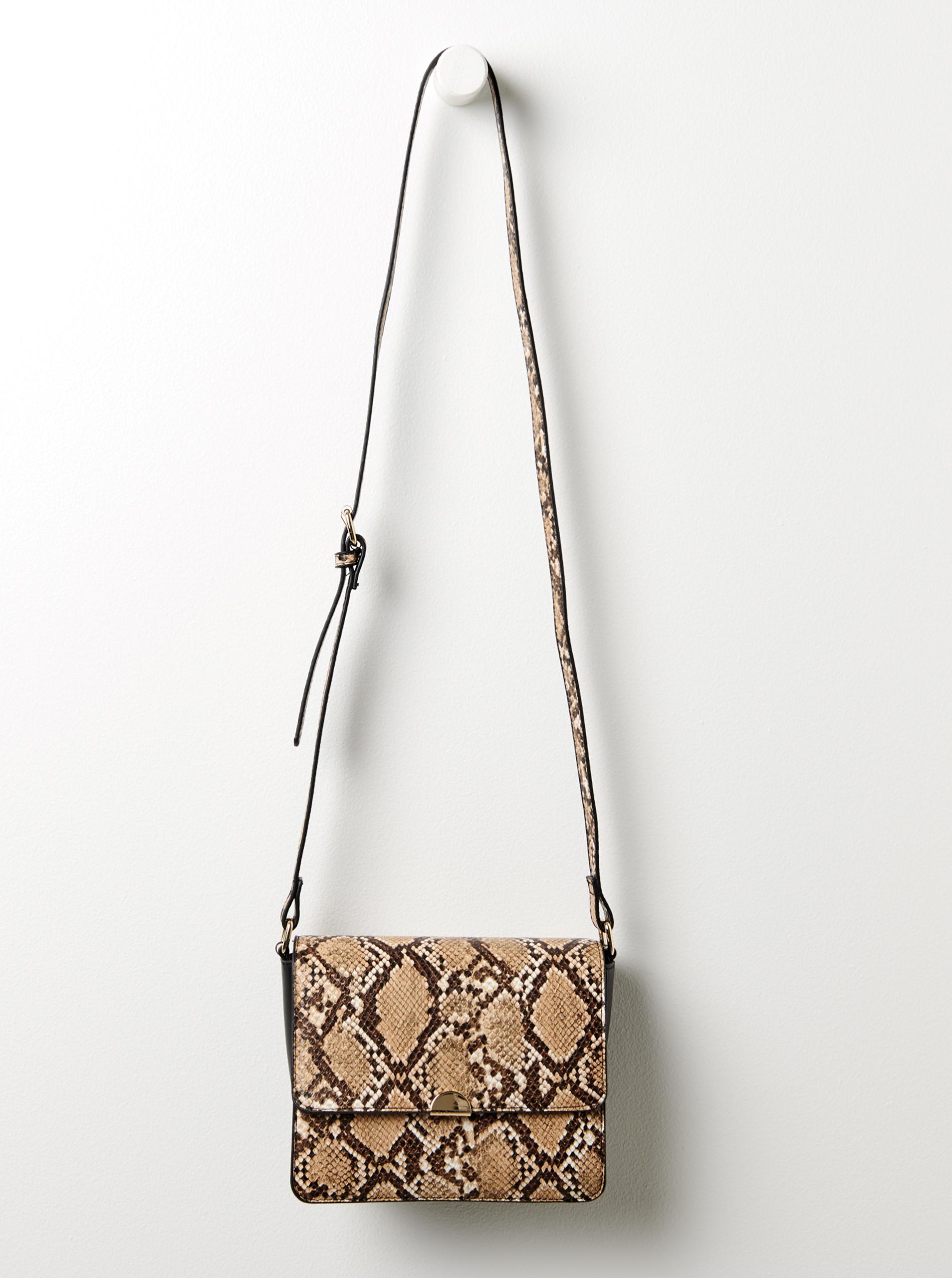 Кафява дамска чанта през рамо със змийски модел CAMAIEU