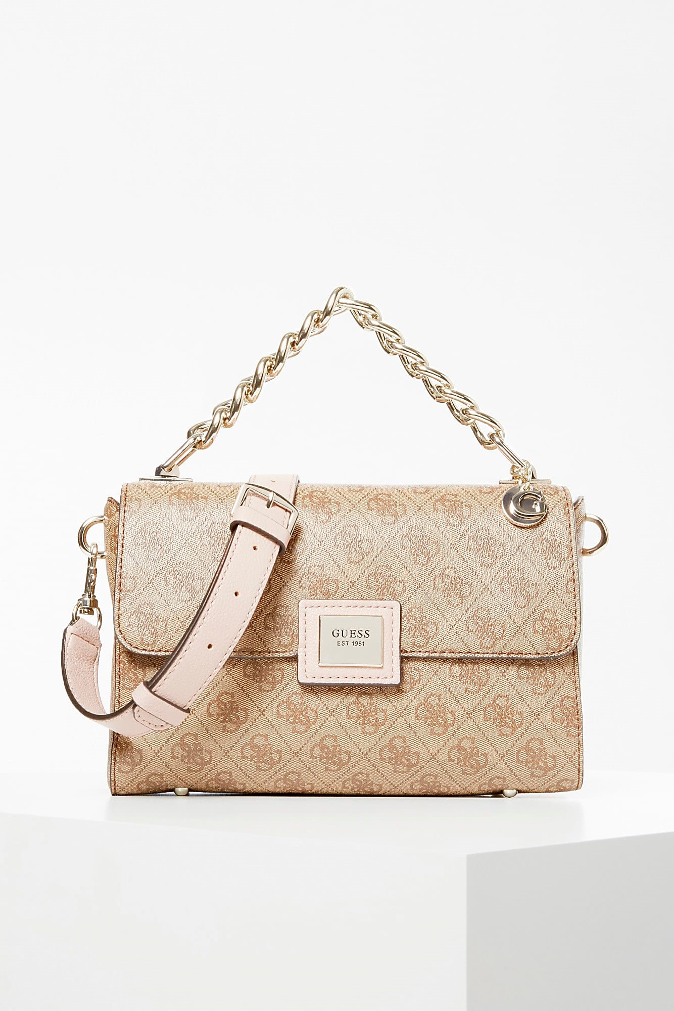 Guess бежови crossbody Candace All-Over Logo