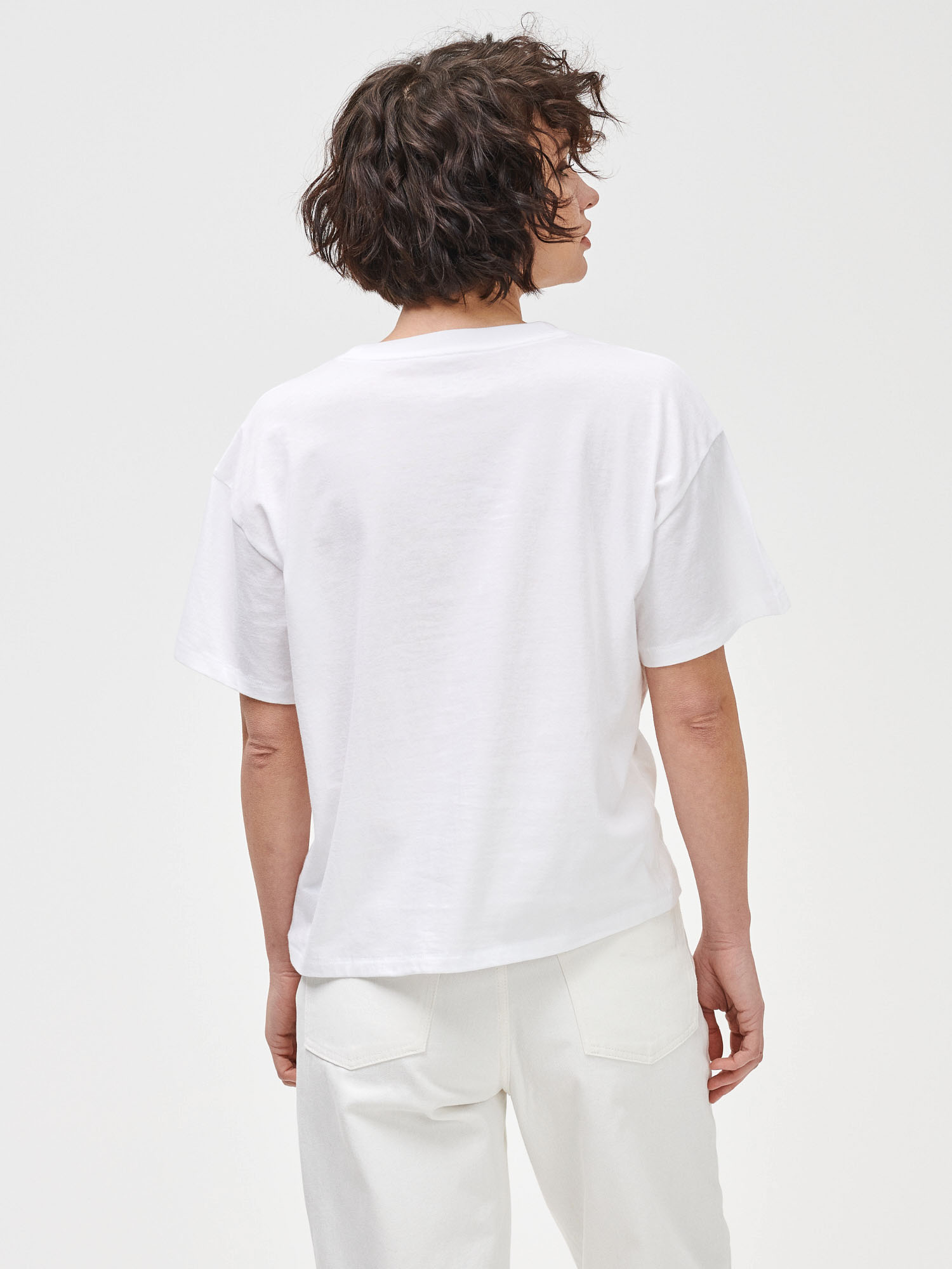 GAP бяла риза Prague